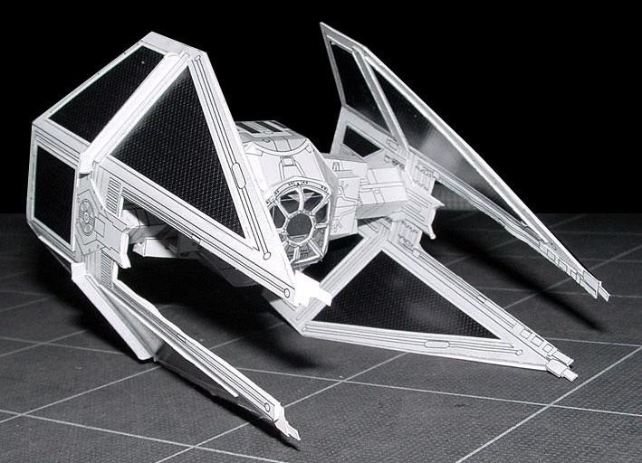 Modelo de papel del TIE Interceptor - portal Ñoño