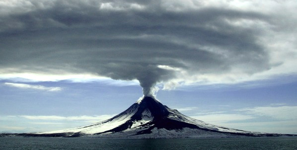 erupcion-volcan-Mount-Augustine-alaska-2006